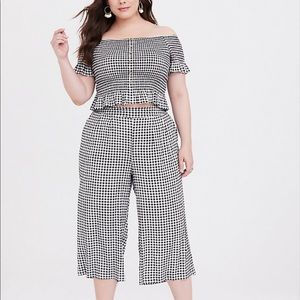 Torrid black and white gingham 2 piece culotte set